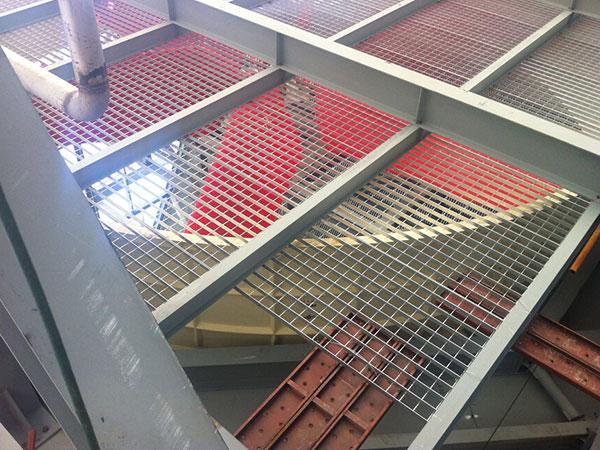 吊顶钢格板案例