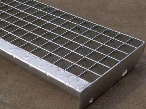 半插式插接钢格板